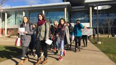 Nova Scotia high school students walk out in support of teachers