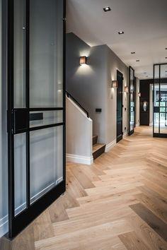Nobel Flooring Holzfußboden mit großem Fischgrätmodell Hoch Exklusiver - Haus - #Exklusiver #Fischgrätmodell #Flooring #großem #Haus #Hoch #Holzfußboden #mit #Nobel