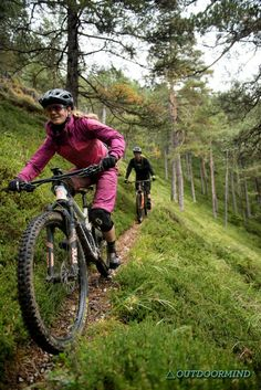 Freeride Mountain Bike, Mountain Biking, Mtb Trails, Female Cyclist, Bike Quotes, Bike Poster, Cycling Girls, Bike Rider, Road Trip