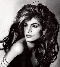 Cindy Crawford's well-placed mole cemented her status as the ultimate '90s-era super babe. Photographed by Irving Penn, Vogue, August 2006.