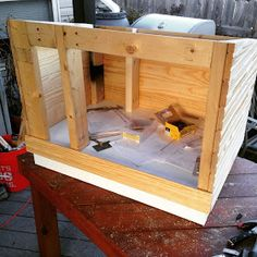 "Running with Hooks: A DIY ""Cathouse"" - Dog is to Doghouse as Cat is to Cathouse! Feral Cat Shelter, Feral Cat House, Cat House Diy, Feral Cats, Cat Shelters, Kitty House, Outdoor Cat Shelter Diy, Outdoor Cats, Insulated Cat House"