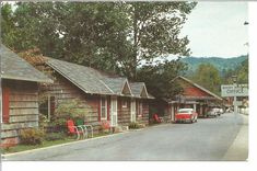 (K) Old 1950's Cars Parked at Rocky Waters Motel & Court Gatlinburg, Tennessee