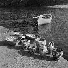 GREECE - Photo by Dimitris Harissiadis - Benaki Museum - Photographic Archive! Greece Photography, Art Photography, Old Photos, Vintage Photos, Greek Town, Benaki Museum, Great Photographers, Paros, Museum Collection
