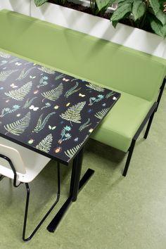 Print tables at Karhusuo primary school cafeteria. Interior design by Sistem Interior Architects. Interior Architects, Primary School, Vanity Bench, Tables, Interior Design, Projects, Furniture, Home Decor, Mesas
