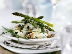 Püree mit Trüffel dazu grüner Spargel und Soße ist ein Rezept mit frischen Zutaten aus der Kategorie Sprossgemüse. Probieren Sie dieses und weitere Rezepte von EAT SMARTER!