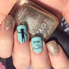 21 Harry Potter Nail Art Designs That Will Leave You Spellbound Harry Potter Nails Designs, Harry Potter Makeup, Harry Potter Nail Art, Dobby Harry Potter, Gel Nails, Acrylic Nails, Nail Polish, Nail Mania, Instagram Nails
