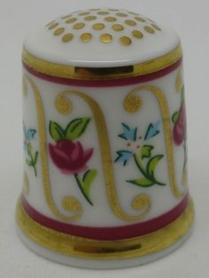 French Style Sprigs. Minton Bicentenary Collection.  Thimble-Dedal-Fingerhut.