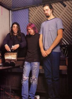 See Nirvana pictures, photo shoots, and listen online to the latest music. Dave Grohl, Banda Nirvana, Nirvana Band, Nirvana Lyrics, Nirvana Kurt Cobain, Aberdeen, Tim Burton, Kurk Cobain, Club 27