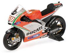 MOTO GP 1//24  SERIE 2 HONDA 125 DANIEL PEDROSA 2003  MOTORCYCLE