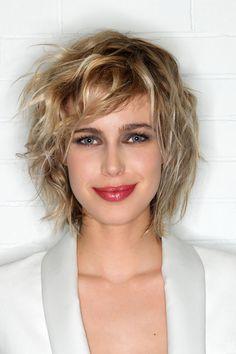 Envie de changement pour la nouvelle saison ? Quelles sont les coiffures tendances pour le printemps-été ? Peu importe la longueur de votre chevelure...