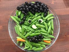 Easy Halloween Frankenstein Veggie Tray | The Produce Mom