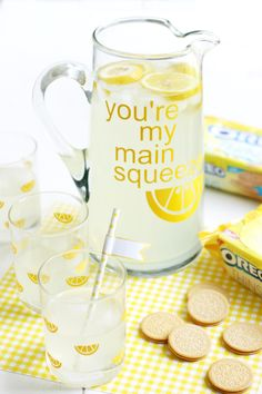 "DIY ""Main Squeeze"" Glassware Set - The Pretty Life Girls"