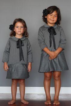 Girl's dress with collar