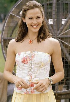 """ONE OF THE ALL TIMERS:JENNIFER GARNER.  HER ROLE AS SYDNEY BRISTOW ON """"ALIAS"""" IS ONE OF THE GREATEST,MOST ICONIC ROLES IN THE HISTORY OF TELEVISION"""