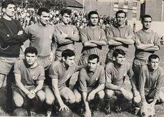 Equipos de fútbol: LANGREO contra Europa de Barcelona 10/09/1967 School Football, Barcelona, Old School, Che Guevara, Movies, Movie Posters, World, Team Building, Football Team