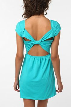 love the dress! especially the color!