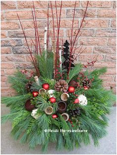 Christmas kissing ball tutorial holiday christmas inspiration diy christmas winter planter design how to step by step post on making your own christmas winter container for your front entrance solutioingenieria Choice Image