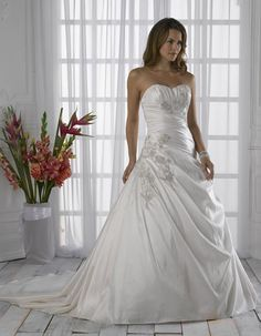 Spring Sweetheart Strapless Ruched Satin Applique Beads Working Chapel Train Wedding Dress
