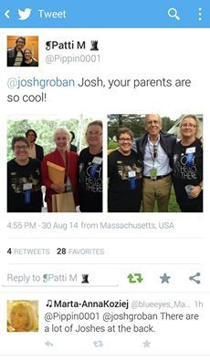 Agost, 30, 2014, Lindy and Jack Groban sharin with fans, here with Patty and Celia!