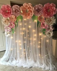 Paper Flower Patterns, Paper Flowers Craft, Paper Flower Backdrop, Giant Paper Flowers, Stage Decorations, Diy Wedding Decorations, Birthday Party Decorations, Flower Decorations, Backdrops For Parties