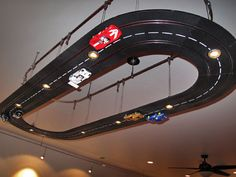 Man Cave real track lighting       ♪ ♪ ... #inspiration #diy GB http://www.pinterest.com/gigibrazil/boards/