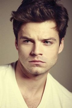 Sebastian Stan!!!!!! AKA THE MAD HATTER AND BUCKY FROM CAPTAIN AMURICA!!!!!!!!! YESSS