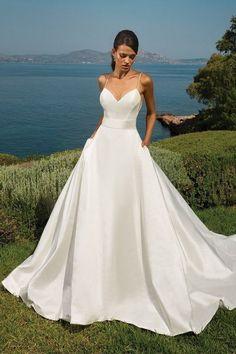 ONE & ONLY BRIDAL // JUSTIN ALEXANDER // DESIGNER // BRIDAL FASHION // WEDDING DRESS // CLASSIC WEDDING DRESS / BOW BACK WEDDING DRESS // A LING BRIDAL GOWN // SILK #ClassicWeddingIdeas #designerweddingdresses