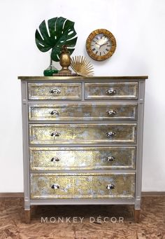 Hollywood Glamour Chest Of Drawers For Sale in Navan, Meath from dirtybabas Gold Leaf Furniture, Dresser Furniture, Painted Furniture, Dressers, Furniture Ideas, Metallic Dresser, Gold Dresser, Drawers For Sale, Chest Of Drawers