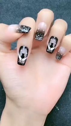 In addition to daily use,it also can be a Halloween nail design.Do you know the symbol of the cat? Ongles Gel Halloween, Halloween Acrylic Nails, Fall Acrylic Nails, Holloween Nails, Cute Halloween Nails, Halloween Nail Designs, Halloween Recipe, Halloween Halloween, Halloween Makeup