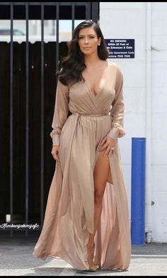 27 July 2014. Kim Kardashian Spotted Leaving a Studio in LA. #kardashian #kardashians #jenner #paparazzi #kim #kourtney #khloe #kris #kendall #kylie #bruce #rob #kanye #west #scoot #disick #mason #penelope