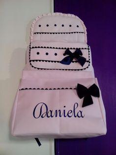 b e b e t e c a: ROSA Y MARINO...IDEAL!!! bebetecavigo.Bolso panera de polipiel rosa personalizado en marino. bebetecavigo..