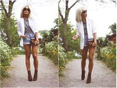 Summer outfit: White blazer, gray tee, denim shorts, leopard print booties & clutch.