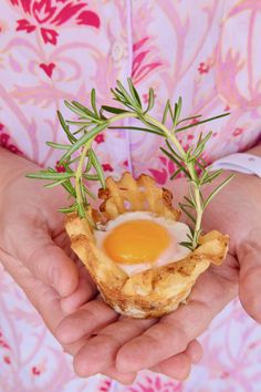 #AD I found a way to brighten up Easter morning with Egg In A Potato Basket. Even though we can't go out and be with our extended family and friends during this time, doesn't mean we can't celebrate in small fun ways to remind us of our traditions. I used #GrownInIdaho Super Crispy Waffle Fries to create my basket lining and then baked an egg inside. This is a cute breakfast idea the whole family will enjoy. HOP TO IT…. give them a try.