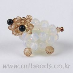 Sheep Crystal Beads, Crystals, Beaded Animals, Bead Art, Easter Crafts, Bead Crafts, Sheep, Stud Earrings, Creative