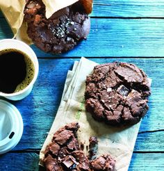 Chocolate diablo cookies - the hint of cayenne pepper makes these #chocolate cookies addictive.