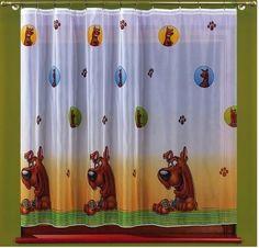 Firanka dla dzieci Scooby Doo Wspaniała, metrażowa firanka do dziecięcego pokoju. Scooby Doo będzie z Twoim dzieckiem w dzień i w nocy, a cóż może być ważniejszego niż taki przyjaciel? Z takiej firanki ucieszy się zarówno chłopiec jak i dziewczynka. Materiał: woal Rozmiar: wysokość: 160 cm szerokość: dowolny Firanka dostępna w metrażu cena dotyczy 1mb tkaniny. Możesz zlecić szycie tej firanki naszym krawcowym.  Dostępna na stronie kasandra.com.pl