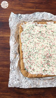 Gingerbread Bars with Eggnog Cream Cheese Frosting Cookie Brownie Bars, Cookie Desserts, No Bake Desserts, Dessert Recipes, Xmas Recipes, Holiday Baking, Christmas Baking, Christmas Cookies, Christmas Time