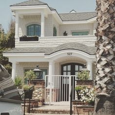 """@prvbsthirtyonegirl's photo: """"At Coronado beach, California...drooling over all of these cute beach homes!  Don't worry, this one only costs around 10 million! #dreaming #cantevendream #illjustlook #eyecandy"""""""