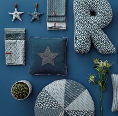 Sterne, Buchstaben und Kissen
