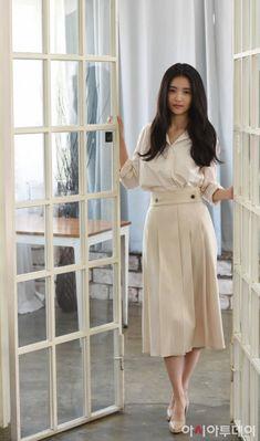 Korean Fashion – How to Dress up Korean Style – Designer Fashion Tips Kpop Fashion, Love Fashion, Fashion Show, Korean Actresses, Korean Actors, Kpop Mode, Korean Street Fashion, Korean Women, Beautiful Asian Girls