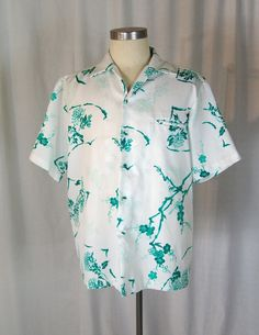 e6f73a57488 1950s Men s Hawaiian Shirt by GraciesVintageShoppe on Etsy 1950s Men