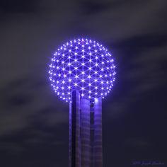 Dallas Texas, Dallas Cowboys, Dallas Skyline, Neon Photography, Background Pics, Facade Lighting, Disco Lights, City Scapes, Skull Art