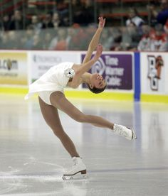 U.S. Figure Skating National Champion Alissa Czisny perfroms before the BGSU Falcon hockey.   Czisny is a summa cum laude graduate of Bowling Green State University where she was on a full academic scholarship and majored in international studies, French and Russiangame
