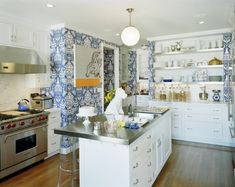 blue and white kitchen wallpaper - Kelly Market Bakers Kitchen, New Kitchen, Kitchen Dining, Kitchen Decor, Kitchen Walls, Eclectic Kitchen, Kitchen Ideas, White Kitchen Wallpaper, Wallpaper Backsplash Kitchen