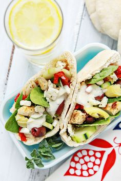 Grilled Chicken Greek Pita Pockets with Marzetti®Simply Dressed® Greek Feta Salad Dressing. Pita Recipes, Wrap Recipes, Lunch Recipes, Lunch Meals, Healthy Crockpot Recipes, Healthy Eating Recipes, Beef Recipes, Healthy Appetizers, Chicken Recipes