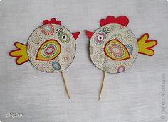 Пасхальные поделки | Страна Мастеров Art For Kids, Crafts For Kids, Arts And Crafts, Preschool Crafts, Easter Crafts, Dragon Crafts, Russian Art, Hens, Decorative Plates