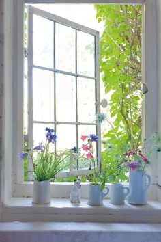An idyllic flint cottage - Period Living Period Living, Language Of Flowers, Open Window, Rose Cottage, American Country, Through The Looking Glass, Countries Of The World, Country Style, Old World