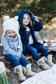Family Photo Tips - how to get the most out of your family photos {and a winter picnic!} #photography #kids www.julieblanner.com