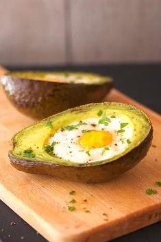 Avocado Boats, Avocado Egg Bake, Baked Avocado, Under 300 Calories, Egg Dish, Recipe Instructions, Baked Eggs, Paleo Recipes, Dairy Free