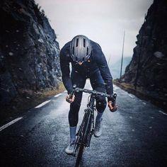 New road bike photography 25 Ideas Cycling Art, Road Cycling, Cycling Bikes, Cycling Helmet, Cycling Quotes, Cycling Jerseys, Velo Biking, Bici Fixed, Fixed Bike